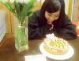 【山尾梨奈】やまりなママ特製の公演300回出演記念特製ケーキが感動的