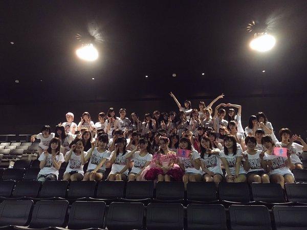 梅田彩佳卒業記念ライブ終了後、次々とうめちゃんと撮った写真を投稿するNMBメンバー達。…泣けてきた(T_T)