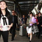 【山本彩/矢倉楓子】さや姉・ふぅちゃん、無事に香港到着で大歓迎されるw