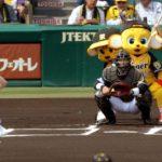 【川上千尋/木下春奈】投手・ちっひー、打者・はるちゃんでノーバン始球式!【TORACODAY】