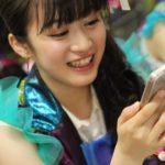 【東由樹】ゆきつんカメラの1日1米 #31 、ちっひー。楽しそうwテーマ:携帯、メンバー:川上千尋