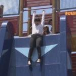【村上文香】怖い滑り台とボルダリングの体験レポでがんばるあやちゃんのキャプ画像。