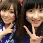 【磯佳奈江/林萌々香】いそちゃんモカちゃんの2人は吹田スタジアムで日本代表戦を観戦!【本田敬麦】