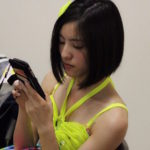 【東由樹】ゆきつんカメラの1日1米 #36はあんたん。なんか神々しい。テーマ:携帯、メンバー:井尻晏菜