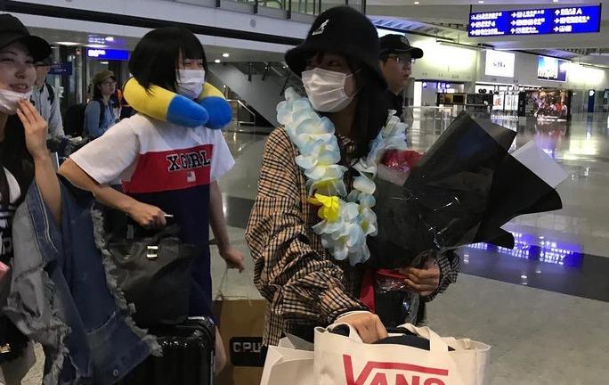 【NMB48】今日はアジアツアー2017・香港。空港でお出迎えを受ける。