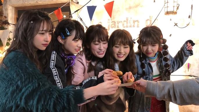 【吉田朱里】新年一本目の女子力動画で「Which one」メイキング映像が公開。