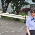 【梅山恋和】ココナ、大縄跳びを華麗に駆け抜ける…飛ばんのかーい。【動画】