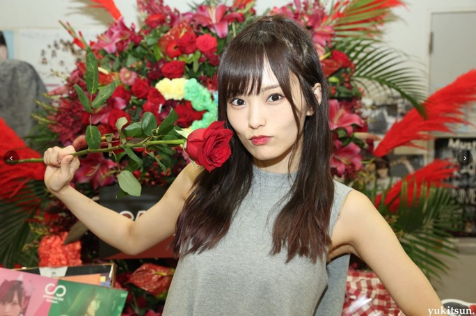 【東由樹】ゆきつんカメラ、10人の生誕祭・LIVETOUR2018新潟・幕張・城ホールの8周年ライブのオフショット大量更新。