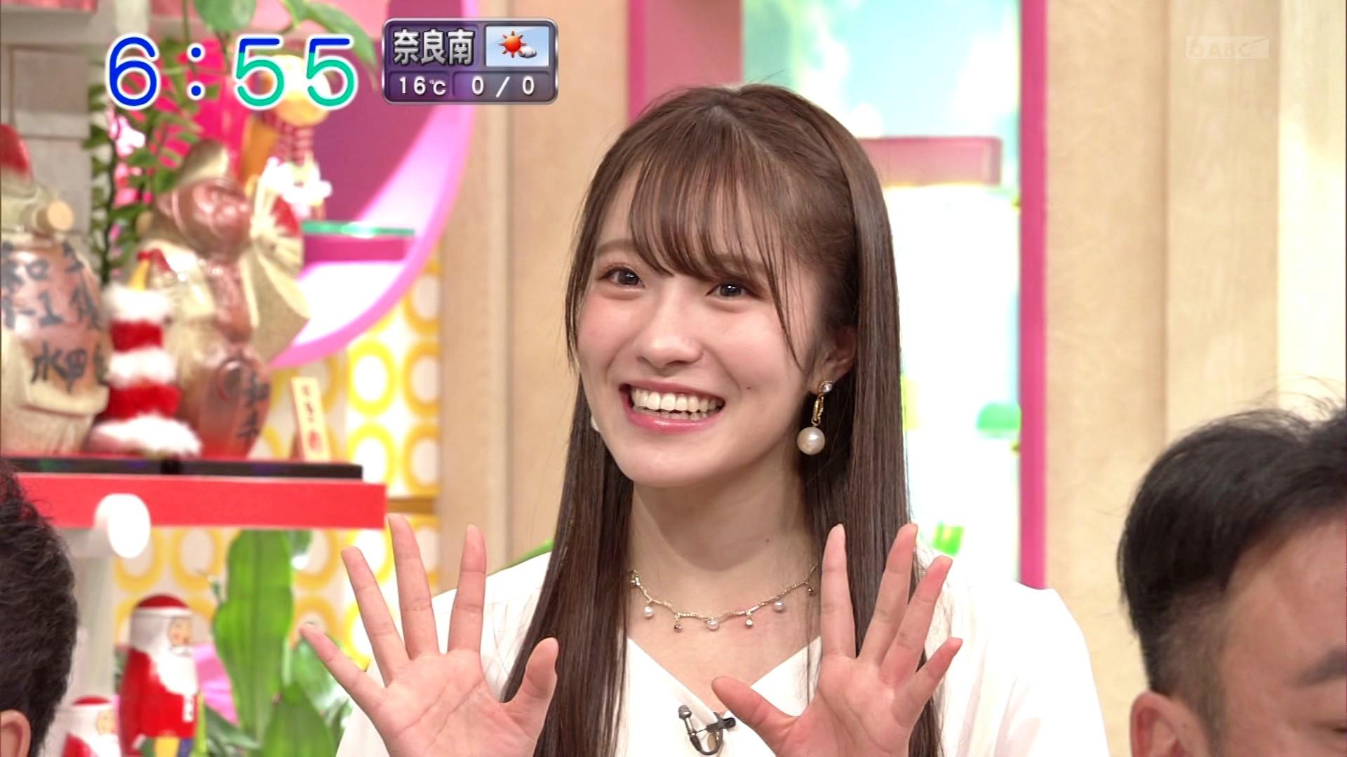 【小嶋花梨】こじりんが出演した12月10日に放送された「おはよう朝日です」の画像。